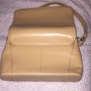 Kenneth Cole Reaction Bags - Tan Reaction Kenneth Cole purse